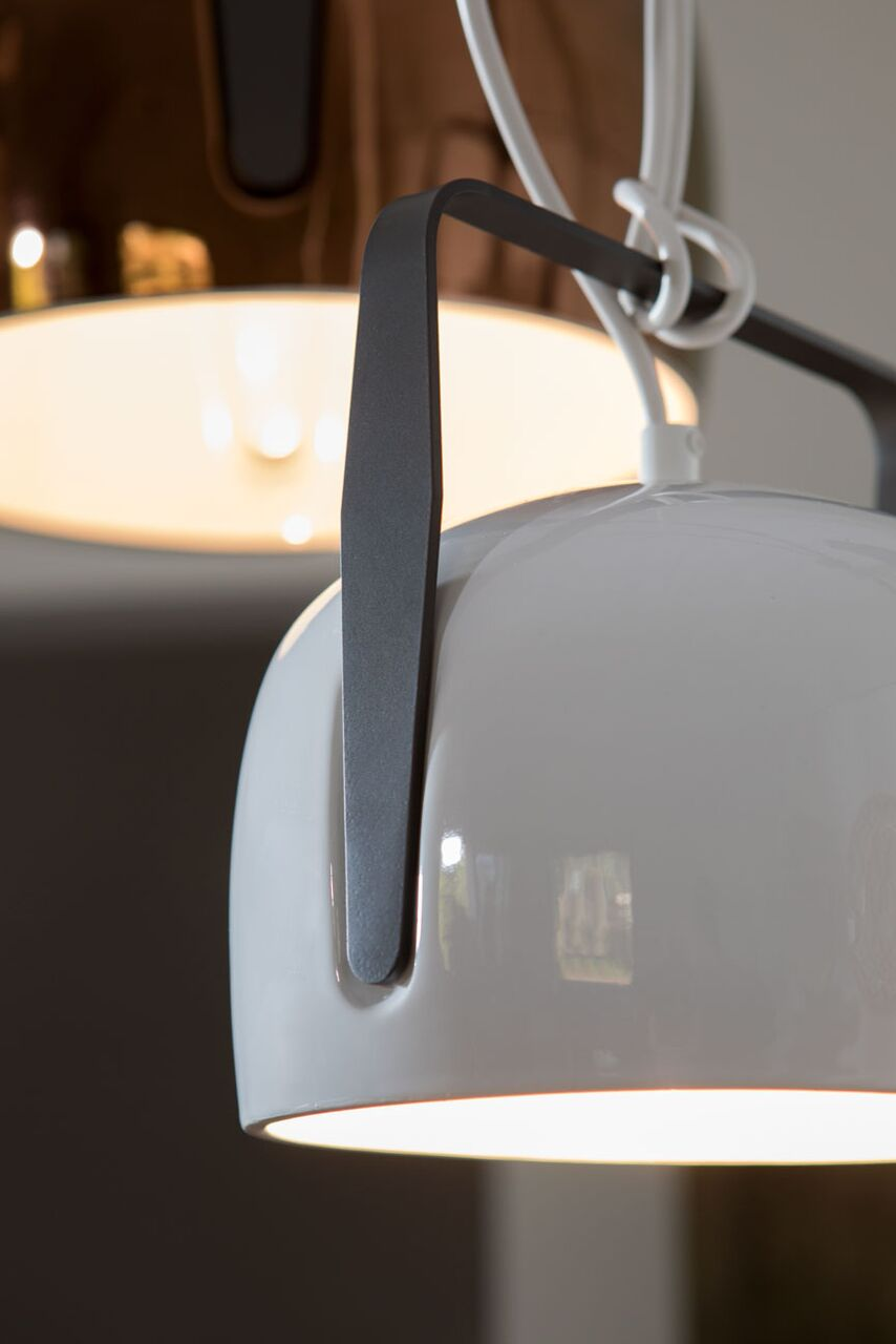 BAG_white_smooth_pendant_Lamp_Karman_c4L