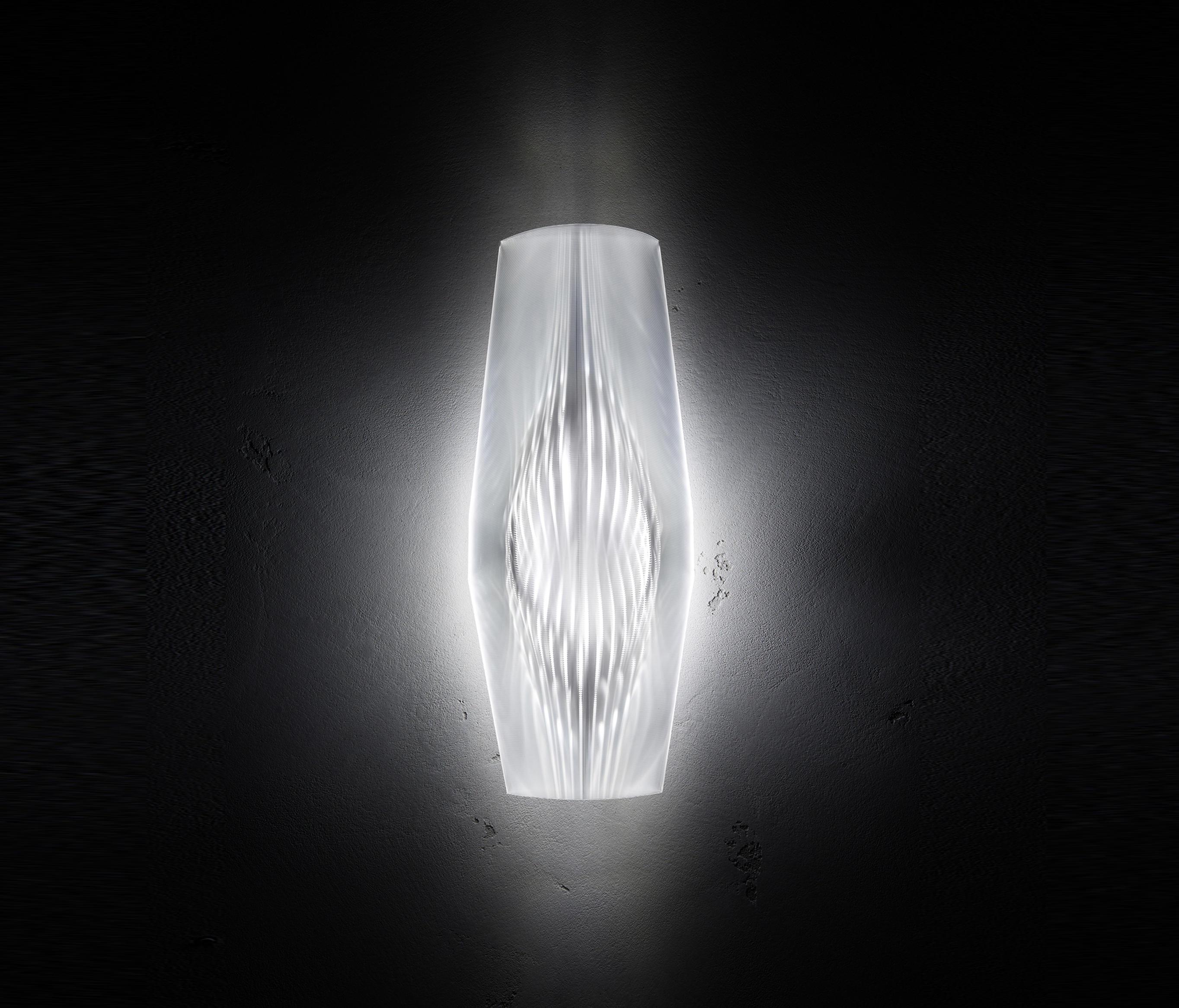 mirage-wall-prisma-wijffels-onblack-1-b